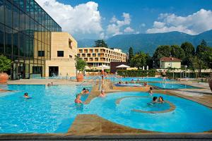 Schwimmbad Therme Meran